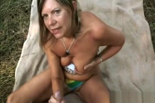 Old Slut Samantha Gives Head And Rides Schlong