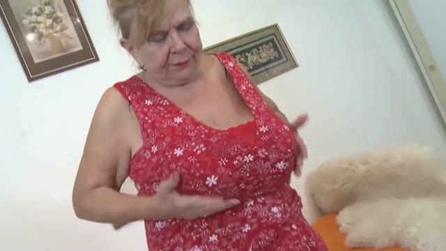 Fat chubby grandma Darla masturbating. Sexi hot boobs