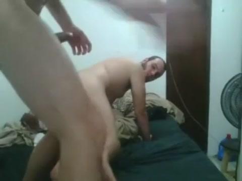 CB - ospiacwb - 31-03-2018 Naked guys in shower jerking off