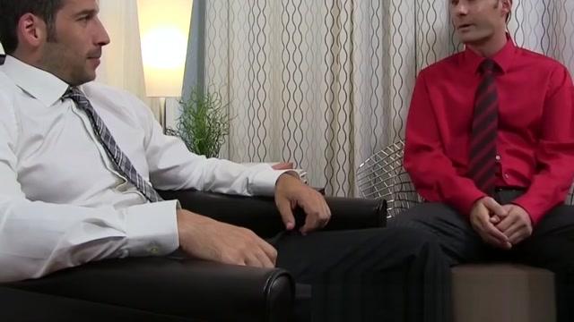 Beefy gentleman Leo Giamani masturbates during toe licking hood girls give the best sloppy head ever 2