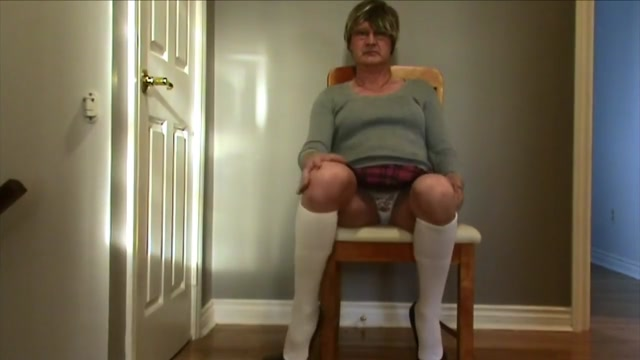 School Gurl takes her panties off and plays with her clit for you