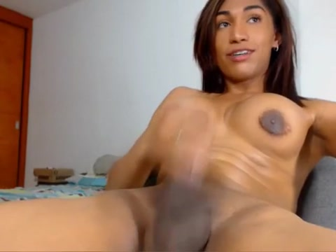 Foxy tgirl with braces gives a nice cumshot