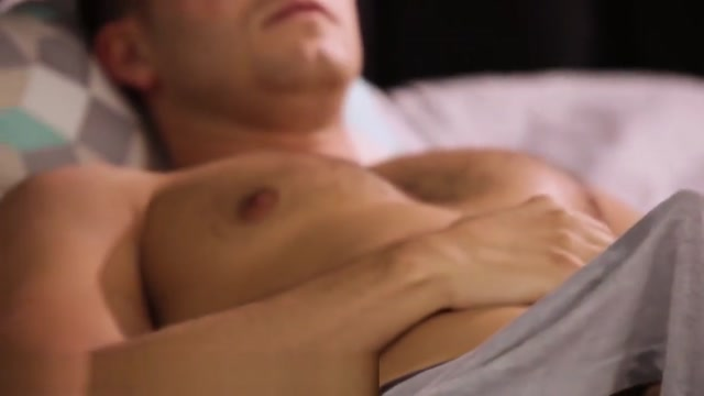 Huge Tits Stepmom Sees Sons Bone and Offers a Massage!