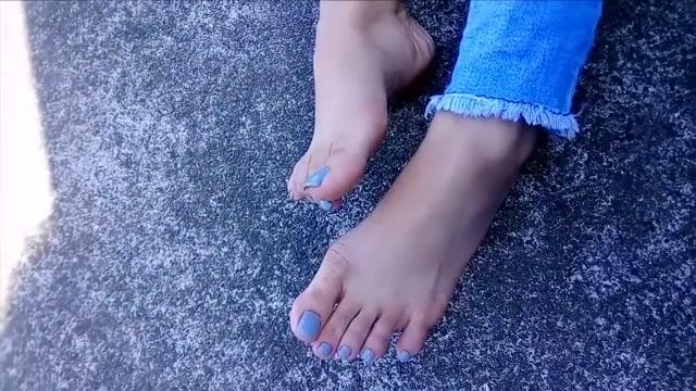 Asian Blue Toenails Footjob thick thighs fat pussy