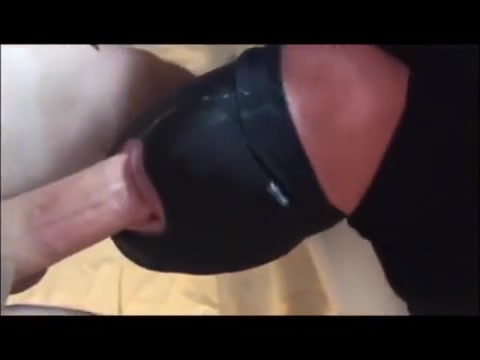 Bisexual cocksucker takes on Mr. Mushroomhead and hung ginger Crotchonfire Cindy a tricky peeping tom