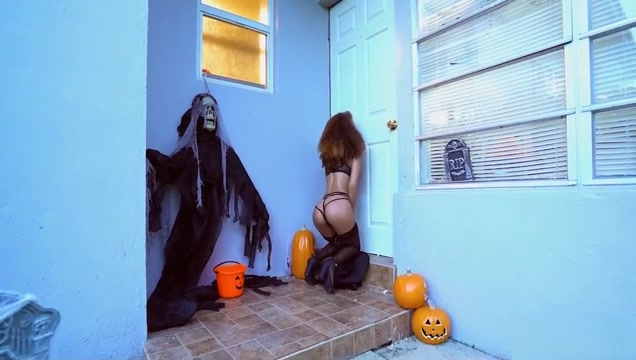 Halloween Glory hole for Black Hottie girls fingering themselves porn