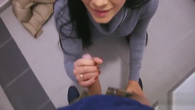 Euro Amateur Blowjob for Cash