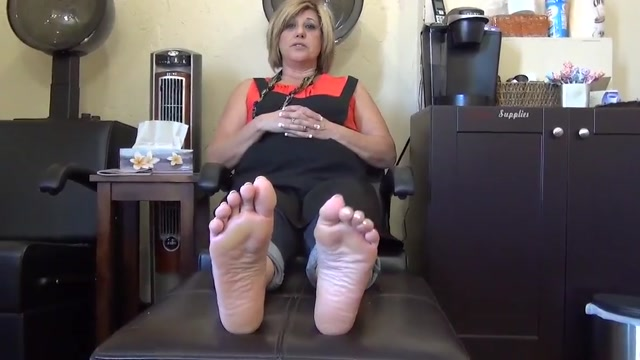 52 year old milf size 7 soles feet japanese girl wet pussy