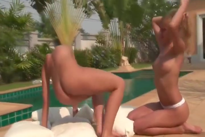 Cute Lesbians Get Naked And Lick Pussy By The Pool
