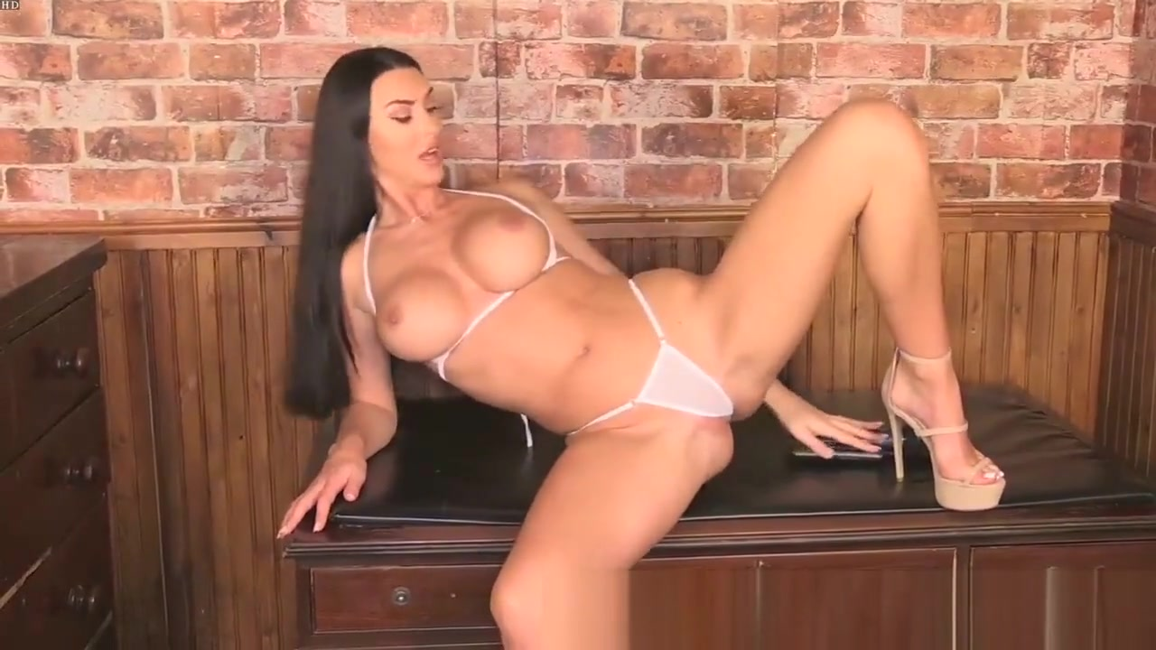 Alice Goodwin Pussy toys to help you squirt