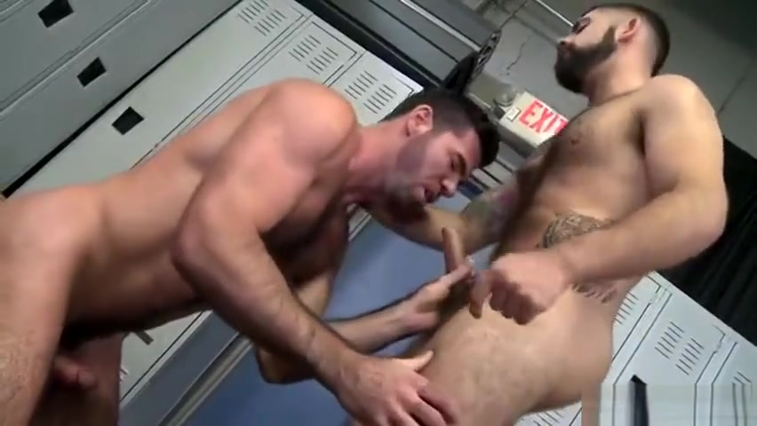 BILLY SANTORO & AELSSANDRO DEL TORO - WHICH HUSBAND FUCKS BETTER - MO3 nude girls bent over getting fucked