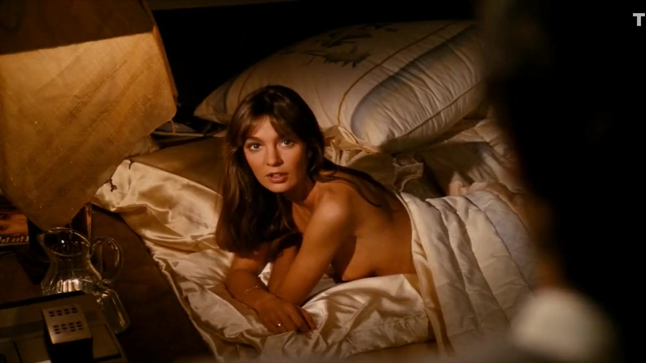 Anne Parillaud - Pour La Peau dun Flic (1981) Removed midget with hammer