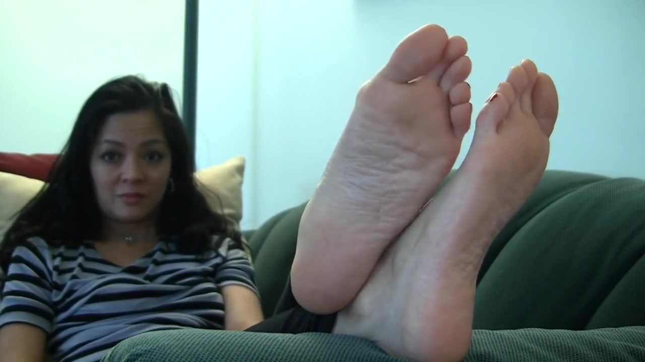 Angelas Candid Stinky Soles Bbw grannies with phat azzezs