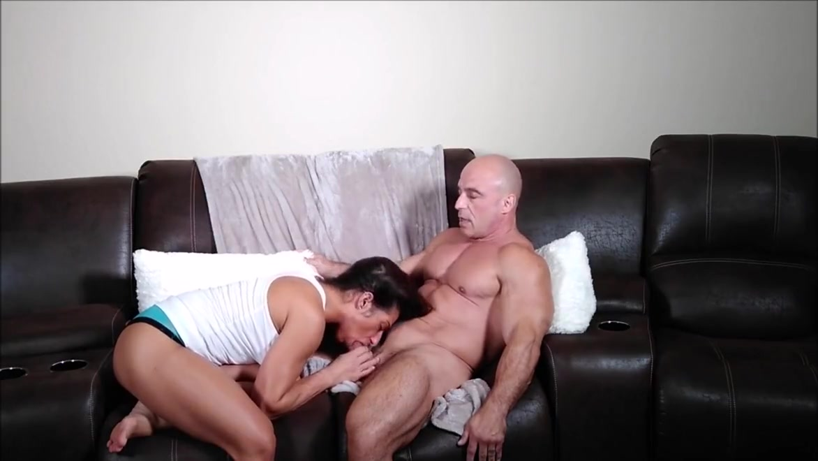 Sis massages my thigh 1 year hookup anniversary gifts for guys
