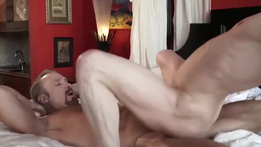 Dallas Steele and Ruslan Angelo Hot Massage Girls peeing on man