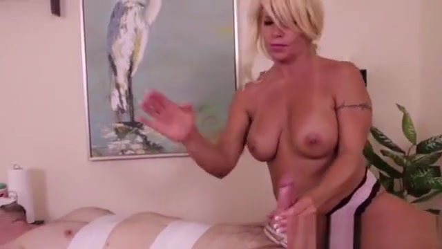 Blonde Linda Bondages A Man