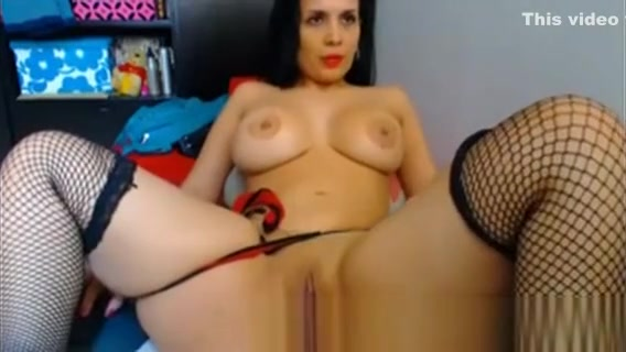 Big Booty Bruentte Babe Riding Her Toy On Web Cam Nice handjob tube