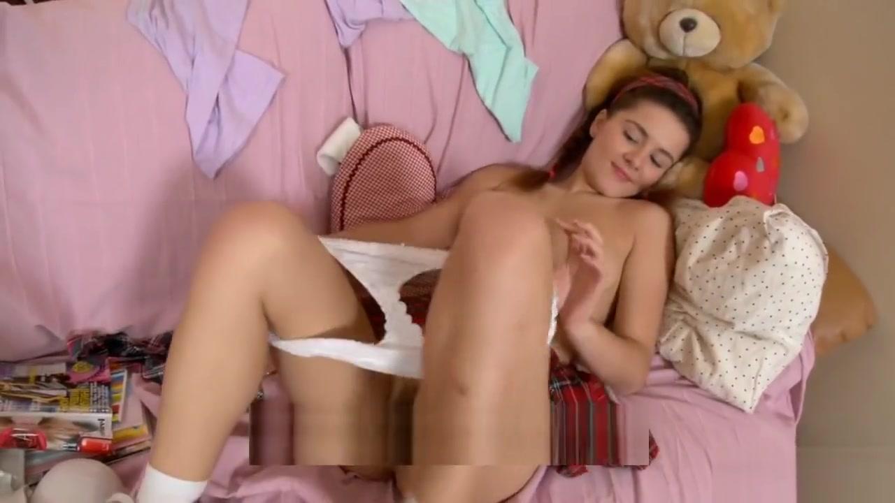 Klara: a curvy gets a big.
