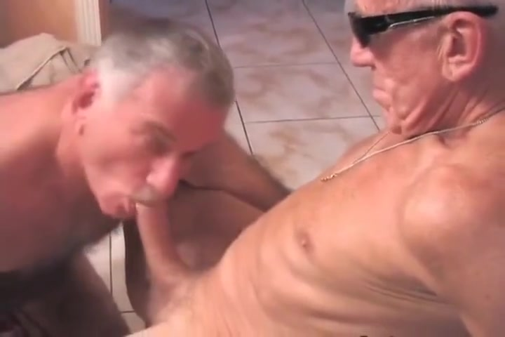 abuelos se divierten Cfnm blowjob experience from gorgeous milf babe