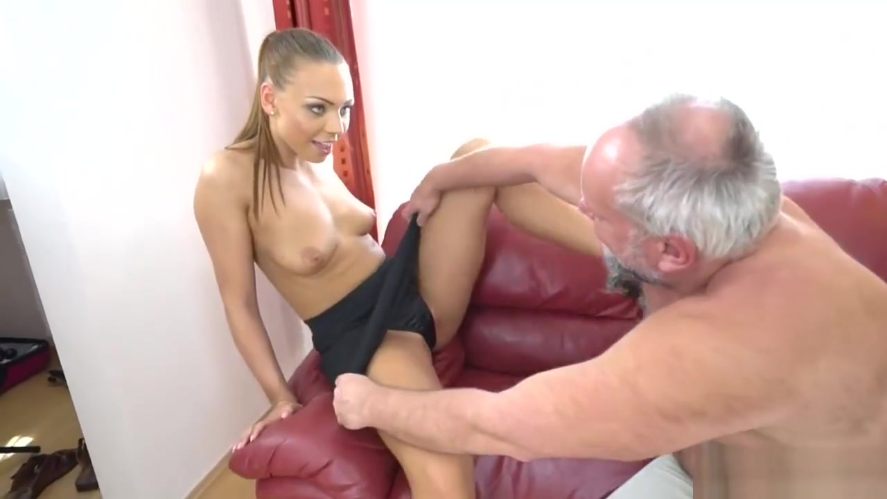 Sexy Babe Fucks With An Older Fucker block porn on android
