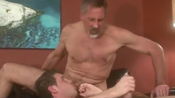 Daddy Jay Taylor (51) and Greg Stanton (22) naked women having sex withmen humping