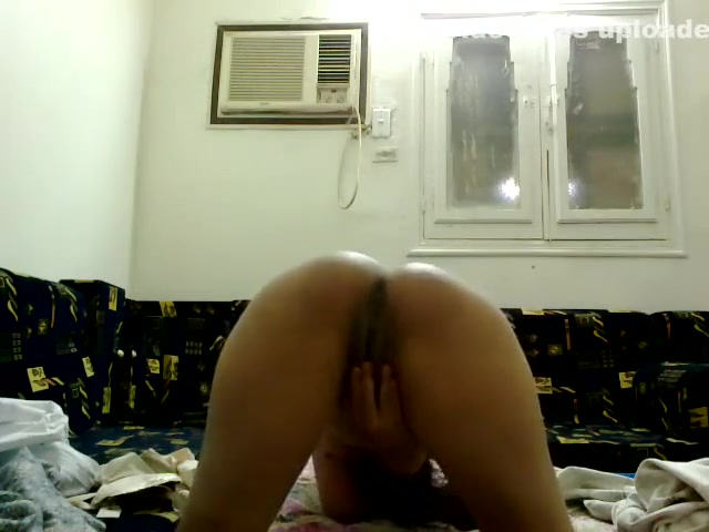 Madiha Khan Desi Bathroom Sex Porn 13 Flat chested girl sucking cock