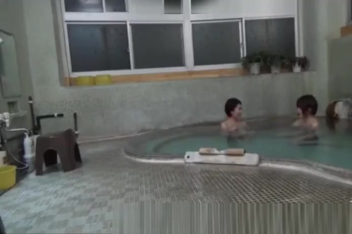 Asian Japanese Cougar Body Fucked Public Spa