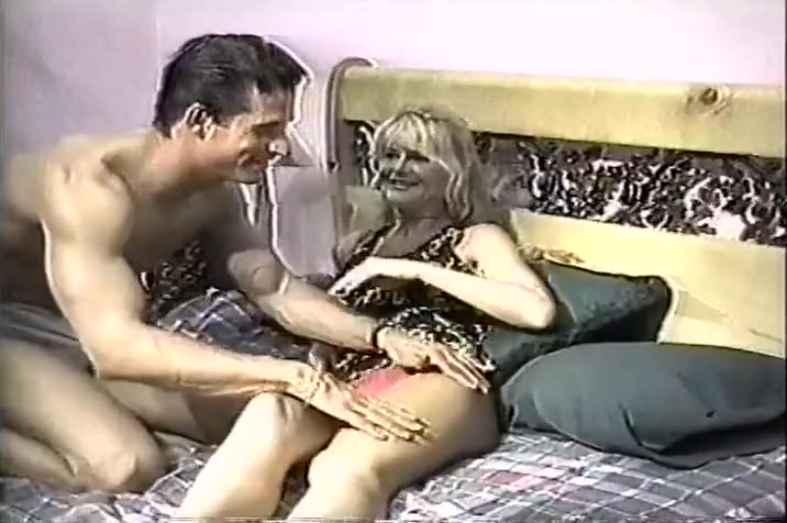 Blonde Beauty Zarina Lays Back And Enjoys Herself cindy margolis sex video