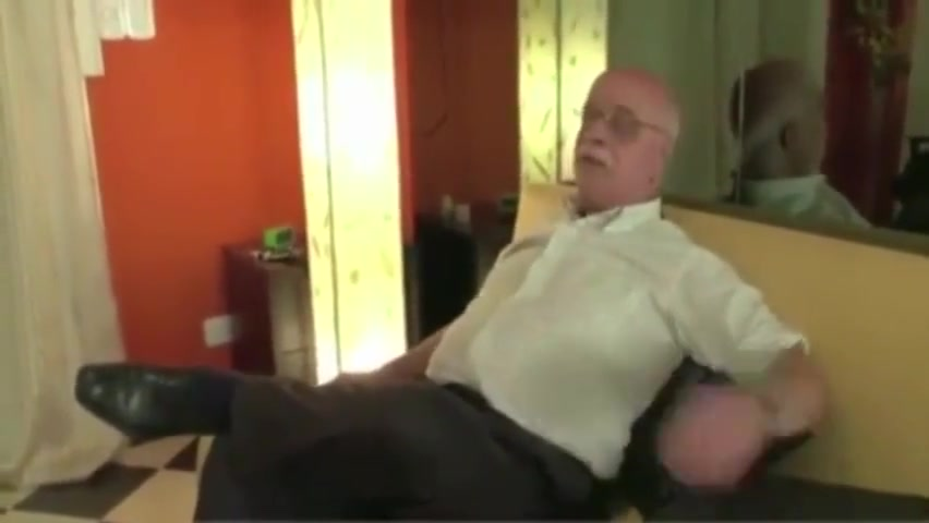 A daddy comes home to get his penis sucked by his houseboy and fucks him. Erotic storiers banana guide