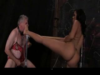 Yasmine DeLeon Facesitting Milf pornstars free videos
