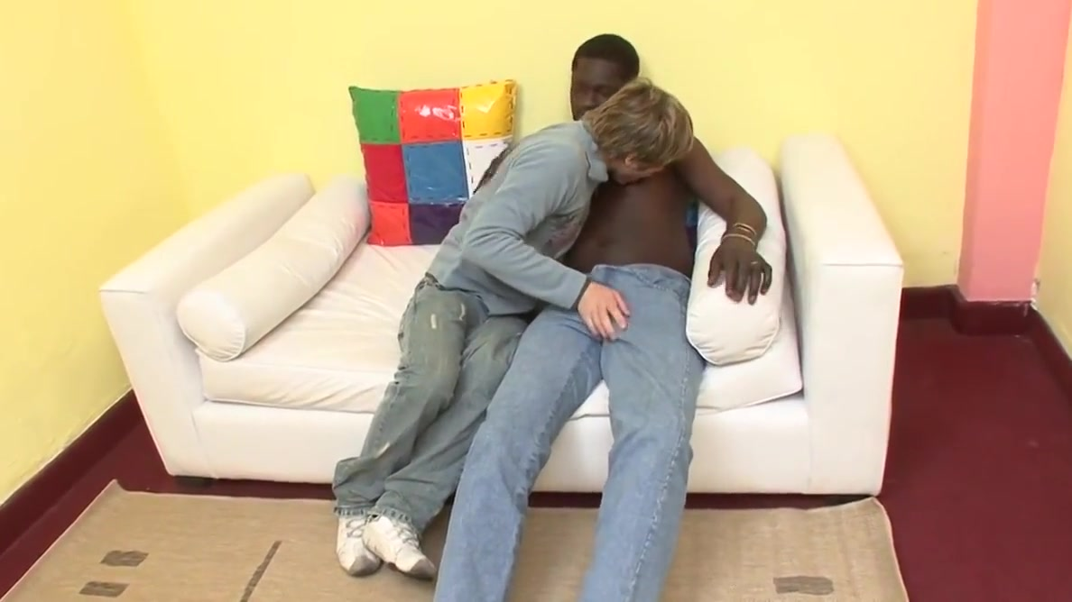 Ebony and Ivory couple get hot and nasty with their dongs on sofa Customer service capital one auto finance