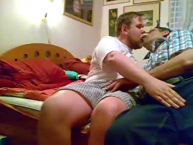 Long session - sucking kissing up the ass girls