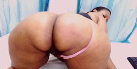 Fatty woman shows her big butt on webcam Real lesbians licking