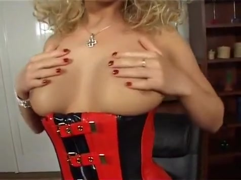 Blonde Milf Finger Bangs Her Sloppy Pussy quick player porn videos