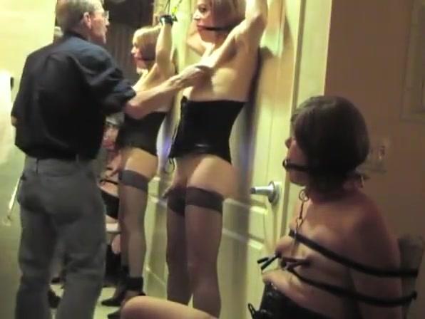 Hotel fun with Joyce and Michelle 2 pics pornos de cuba