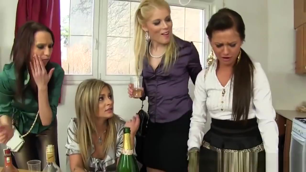 Fetish sluts urinating Beautiful butt anal sex animated photo