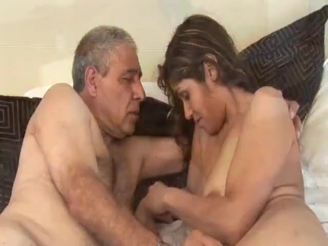 SUGAR BABBY FUCK MY DADDY TOO Mature erect nipples tube