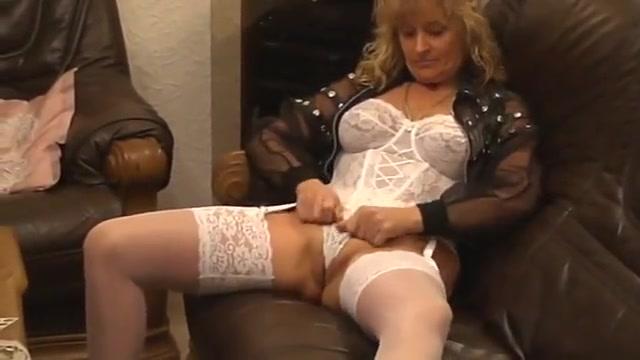 Mature Woman In Stockings Having Fun With Her Dildo girls giving handjobs thumbs