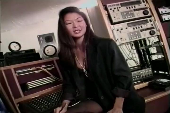 Asian Kitty Yung Gets Nailed Hardcore LexAlex Bar Bara