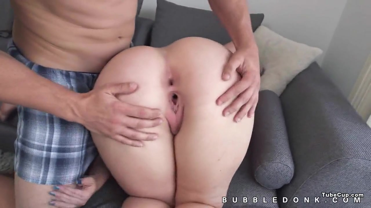 Crawling giant ass great view Sophie dee pegging
