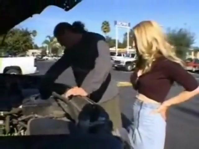 blonde milf gives her ass