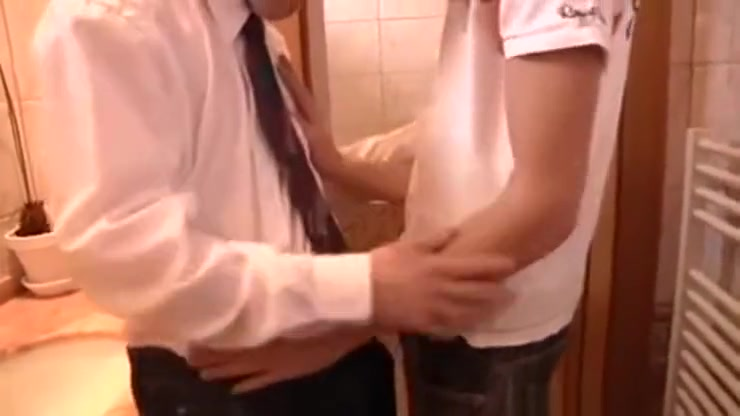 Boys At School Toilet Gay porn american galdiator 2018
