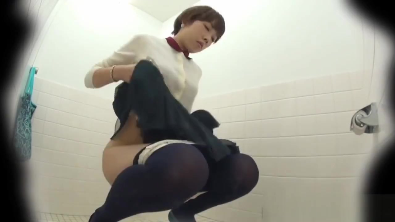 Hairy pussy asian pees