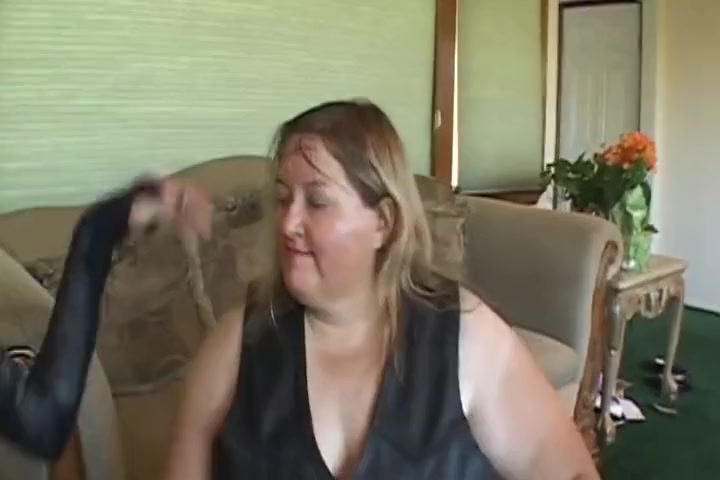 This Huge Mama Loves Letting Her Skinny Girlfriend Fuck Her breast cancer and shoulder pain