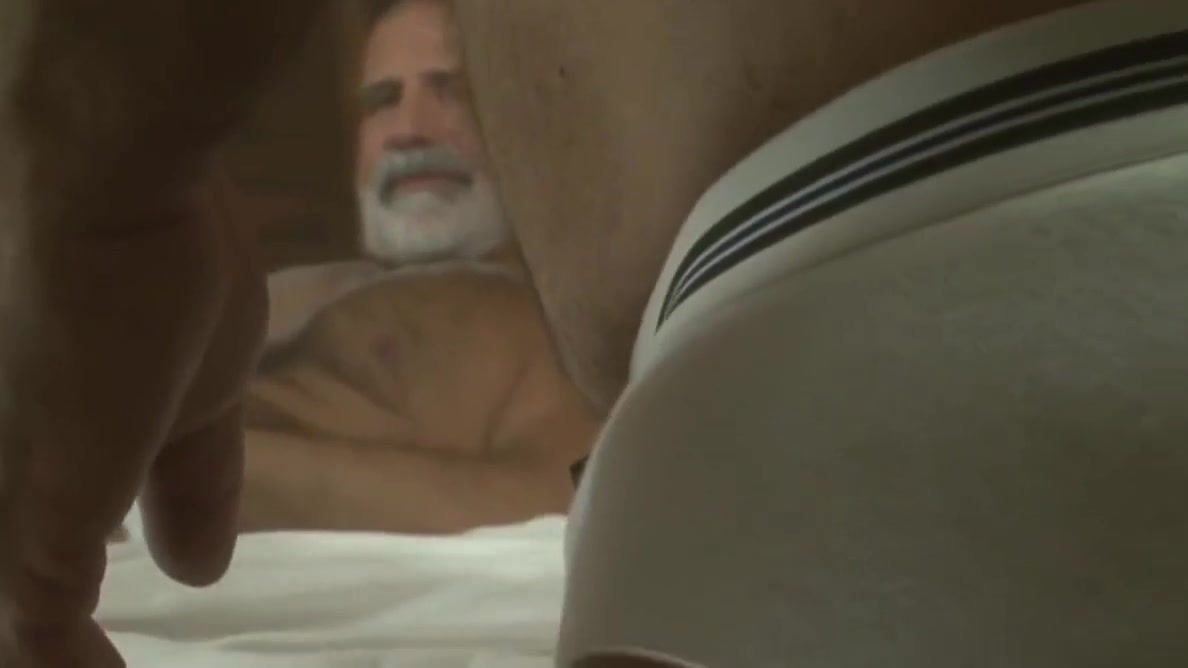 grandpa bears hot scene Corona ol tilbud
