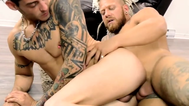 Gay Porn ( New Venyveras ) Compilation scene 2 Girlfriends giving blowjobs