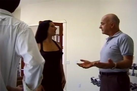 Sexy Latina Enjoys Three Cocks milf bangs delivery man