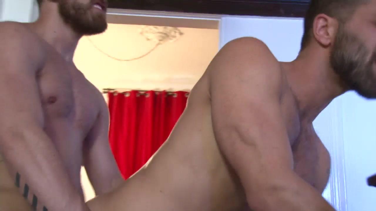 Flip-Fuck 16 Rosamund pike nude fake pic
