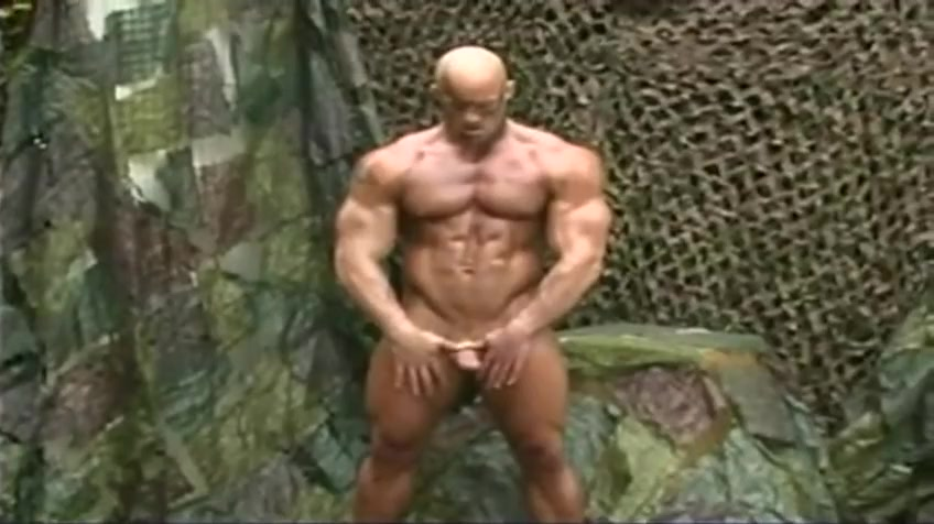 Bald Muscle Bull - Peter Latz - Solo A man and a woman in bed