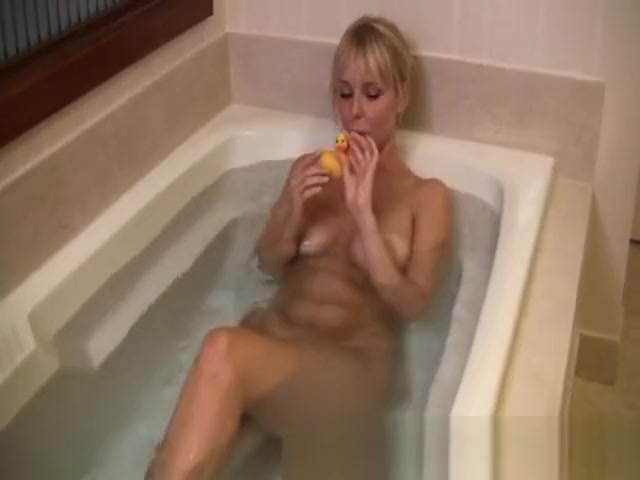 Sexy milf in bathtub with a rubberduck Nice pounding with Cristal Pires & Loupan